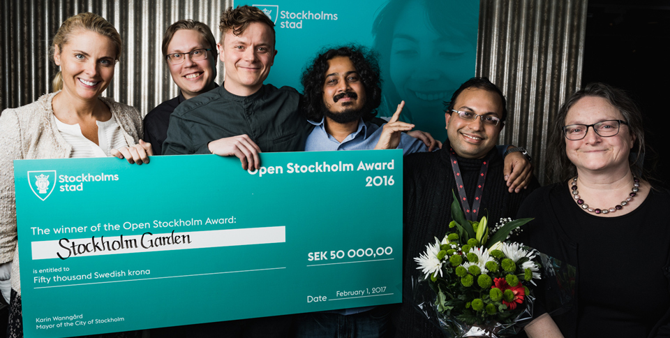 Stockholm Garden (Emil Pedersen, Misbah Uddin, Nasir Uddin, Marius Amadeus Koppang) were one of the winers of Open Stockholm Award. Here, posing together with Ann Hellenius and Ingela Lindh.